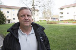 Ludvikahems byggchef Jan Hedberg uppger att gällande tidplan anger inflyttning i bostäderna på Laggarudden i augusti nästa år.