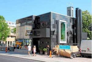 Idén om en restaurangbyggnad, till stor del i glas, snodde den förra projektgruppen från Västerås, där Brasserie Stadsparken byggdes för fem år sedan.