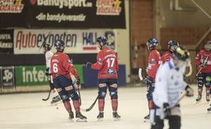 Mattias Hammarström gjorde tre av Edsbyns mål, en ny liten islossning för anfallaren som haft det lite segt i början av elitserien.