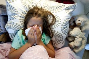 De fem barnen i studien har alla symptom sex till åtta månader efter att de insjuknat. Bilden är en genrebild. Foto: Gorm Kallestad / SCANPIX NORGE / SCANPIX