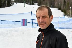 Thomas Lövkvist, Bjursås skicenter, som nu ska röja upp gamla cykelleder runt berget.