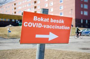 Har regionen något råd till alla unga som ska börja studera på annan ort till hösten, och därmed missar sin bokade vaccintid? undrar insändarskribenten.