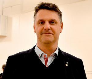 Hans Johansson (C) gillade förslaget om en aktivitetspark men menade att fullmäktige inte kan säga ja eller nej förrän översiktsplanen är klar.