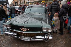 Fina amerikanska bilar visades.