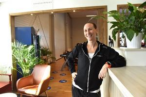Stina Hettema brinner för två saker här i världen: att träna och resa. Lyckligtvis, för hennes del, har hon kombinerat dessa två koncept i sitt jobb.