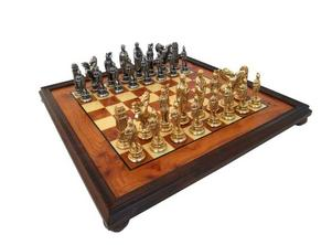 Schackset 56x56 i alm med metallpjäser, 7339 kronor på schackshop.se