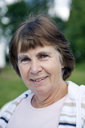 """Rose-Marie Söder, 57 år, Kumla:–Matteus 7:12, Den gyllene regeln, """" Allt vad ni vill att människorna skall göra för er, det skall ni också göra för dem""""."""