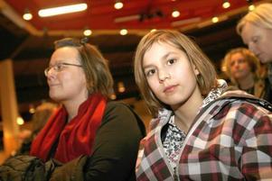 Alexandra Olsson gillar hästsport och står i kö till Prolympia. Igår tog hon med mamma Lena när skolan höll öppet hus.