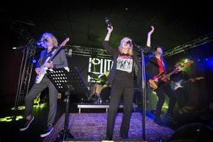 Lolita Pop är tillbaka. När sångerskan Karin Wistrand beskriver känslan av att spela igen lyfter hon fram gitarristerna Sten Booberg och Benkt Söderberg: - De är fantastiska gitarrister. Att stå bredvid när de hittar tillbaka till varandra, det är lite rörande.