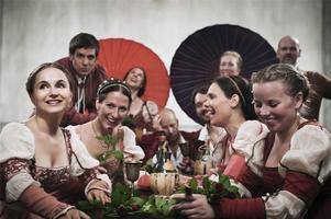 Romeo & Juliakören kommer till Arboga under medeltidsdagarna. Foto: Dramaten.