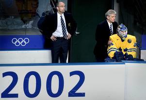 Mats Walltin, Hardy Nilsson och Tommy Salo under matchslutet.