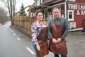 Mia och Arne Funk driver Torö lanthandel.