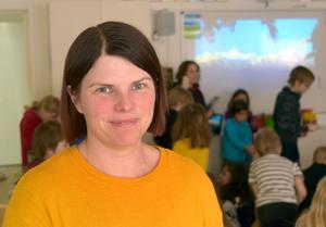 Sandra Eriksson tycker att det är värdefullt när eleverna själva blir delaktiga i undervisningen och lär av varandra.
