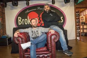 Fredrik Bergsten och konsultmanager Fredrik Ferngren Zackariasson satsar på bredare repertoar för Broken Dreams livescen.