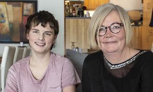 Från att Axel var ett år kämpade Monika Lindberg för att få hjälp.