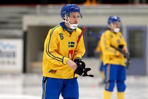 Erik Säfström valde väg som 15-åring i Örebro. Sandvikens AIK och det svenska bandylandslaget är garanterat tacksamma över det val den unge bolltalangen gjorde då.