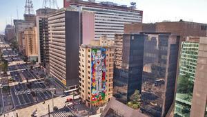 När reklamskyltarna försvann i São Paulo fick konsten ta utrymmet i stället. Här ser vi en vacker färggrann väggmålning. Foto: Marcelo Palinkas