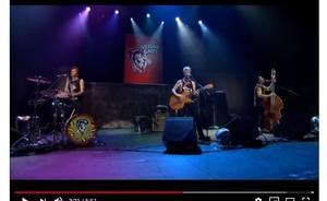 Foto: Skärmdump från youtube. Stray Cats gör sin sista anhalt på sin Europaturné  i Falun.
