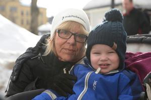 Janet Wilhelmsson, pedagog, Sundsvall med Folke, 2: – Jag skänker till Hjärnfonden, Cancerfonden och så är jag med i Postkodlotteriet.