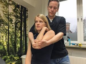Mikael Malm ser hela människan när han behandlar en patient.