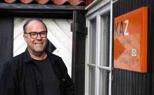 Stig Fröberg ställer ut sina kollage på Kaz Kultur.