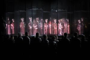 En spöklik minimalism präglar samarbetet mellan Bengt Gomér (koncept och regi) och Bente Rolandsdotter (kostym).