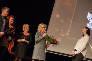 Artins VD Bodil Abrahamsson tog emot priset Årets Morahandlare.