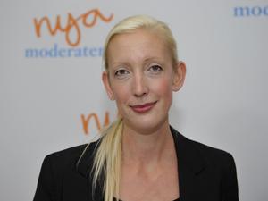 Byter fot. Moderaternas partisekreterare Sofia Arkelsten tycker numera att större bidrag från enskilda personer till partierna bör redovisas öppet.foto: scanpix