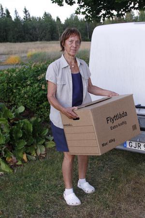 Sonja har fortfarande lådorna från huset i Finneby packade. Och hon har även packat ner saker i Gåssjö.