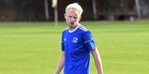 Pontus Larsson tillbringade säsongsavslutningen som spelare på lån i Sollefteå GIF, parallellt med sportchefsjobbet i Kramfors-Alliansen/Frånö.