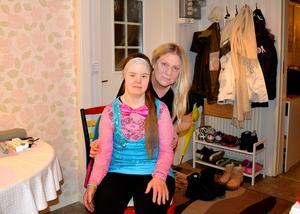 Linda och Carina har gjort allt från att promenera och fika till att åka skoter och resa till Åland under sina år tillsammans.