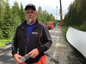 Kent Lindgren har arbetat med bärgningen under hela natten.