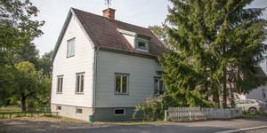 Nyckelbergsvägen 5 i Köping har sålts för 1,2 miljoner kronor.