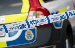 """""""Hur många ska behöva dö av gängvåldet innan S inser allvaret"""", frågar sig moderaterna Mikael Damsgaard och Erik Hamrin. Foto: Johan Nilsson / TT"""