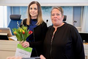 Ida Axelsson och Eva-Britt Frant tog emot priset till Örnsköldsvik.