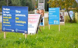 Partiernas budskap på valaffischer.