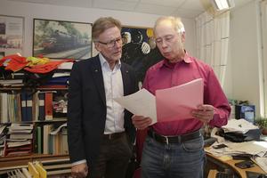 Staffan Bruzelius (M) och miljöchefen Göran Eriksson konstaterar att vindkraften spelar en allt mer betydelsefull roll i den svenska elproduktionen. I Ludvika kommun har vindkraften en dominerande ställning.