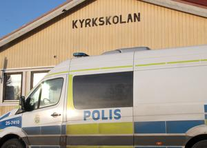 Yrkestrafikgruppens minibuss har utrustning för det mesta. Exempelvis för kontroller av misstänkta rattfyllerister.