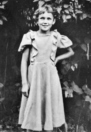 Aila Sinikka är här nio år och ska börja i tredje klass i Risbroskolan. – Då ville jag hellre heta Birgitta eller Kristina, minns Aila.Foto: Privat