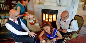 """Julfirande som förr från flera olika decennier blir det när Anders Larm, Solveig Bergqvist Larsson, Cecilia Kyllinge och Jan-Olof Jonsson gästar Granhammar med """"Bjällerklang"""".  Foto: Bo L Gunnarsson"""