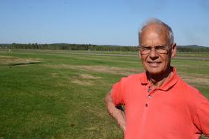 Kjell Dalsheim, ordförande i flygklubben, vill ha ett så långt avtal som möjligt om nyttjandet av flygfältet i Dala-Järna.