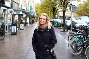 Genom sitt intresse för hus har Cathrine lärt känna komikern Ulla Skoog.
