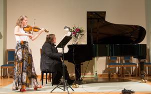 Elimkyrkan är en konsertlokal som kunde utnyttjas mer i Sundsvall. Den har en öppen akustik som väl bär fram kammarmusik.