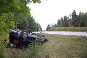 Olyckan ska ha orsakats av att bilen fått sladd, uppger polisen. Det ska inte finnas någon brottsmisstanke.