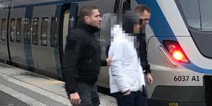 Under onsdagen gick polisen ut och sökte vittnen efter måndagens rån nära centralen.