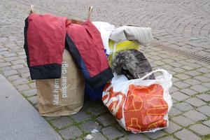 Insamlade kläder. Foto: Jon Willén/TT