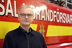 Åke Nilsson är inne på sitt 52:a år som brandman.  Från att bilarna inte hade något vatten alls i tankarna 1967 rymmer nu stationens pärla hela 13 500 liter vatten.
