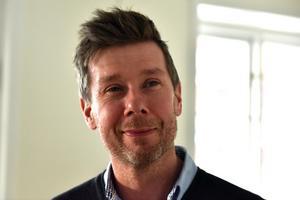 Christer Persson berättar att de ser sig som ett komplement snarare än konkurrent till de kommunala skolorna.
