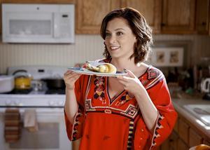 Rachel Bloom som Rebecca Bunch. Bild: Tyler Golden/The CW