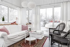 Uterum på cirka 18 kvadratmeter med fönster och dörrar i värmebindande glas. Foto: Ebbe Wengenroth